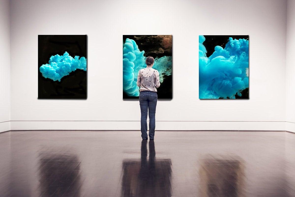 Bilder vom Fotokünstler Lars Rogge in einer Galerie